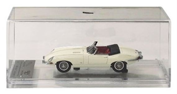 Jaguar E Type Series 1 - 1:43 Scale Resin Cast Model - Cream