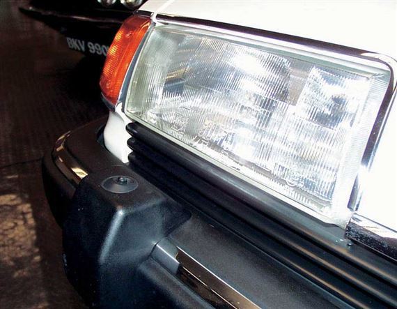 Rover SD1 Headlamp Washer System
