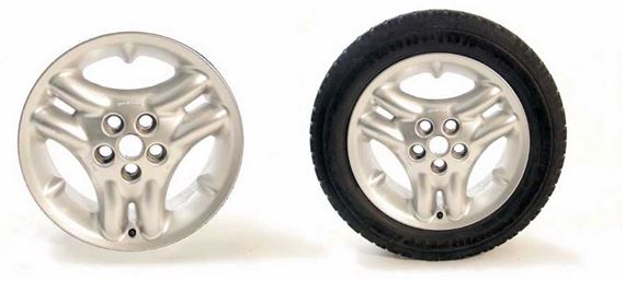 90-110 and Defender 18 inch Alloy Wheel and Tyre Packages - Triple Sport