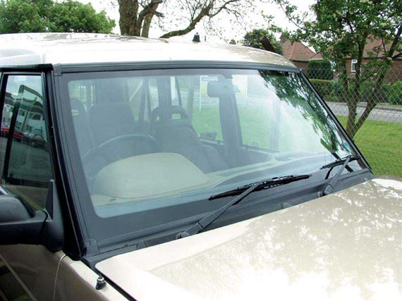 Discovery 1 Windscreen & Tail Door Glass Fittings