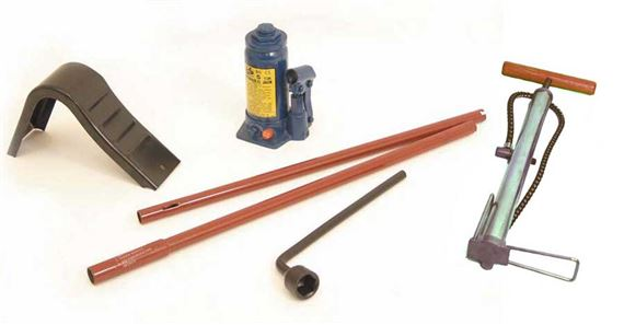 90-110 and Defender Tyre Tools and Accessories