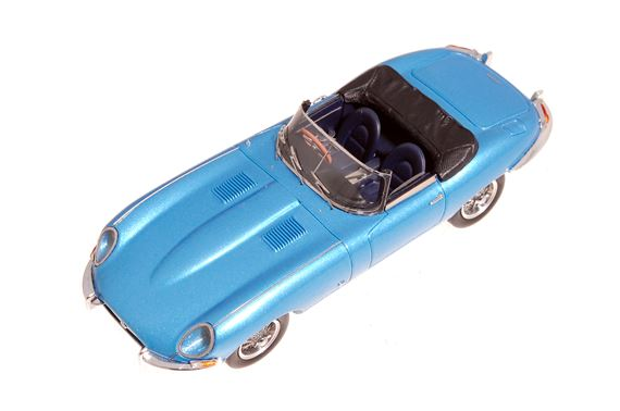 Jaguar E Type Series 1 - 1:43 Scale Resin Cast Model - Opalescent Silver Blue