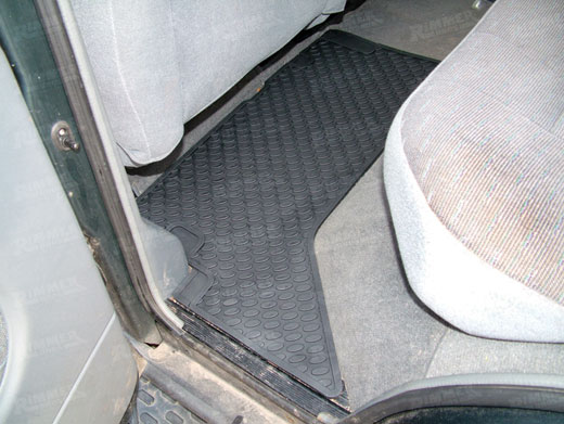Rubber Floor Mats - Rear Black Pair - Britpart DA4427